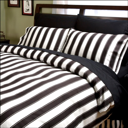 Big Top Stripes Pillowcases / Shams