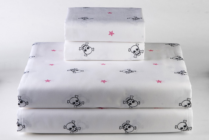 Dreamy Linens White Skull Star - Twin XL Sheet Set - Sin In Linen
